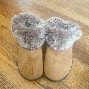 Isotoner Women's Slippers Boots with Faux Fur